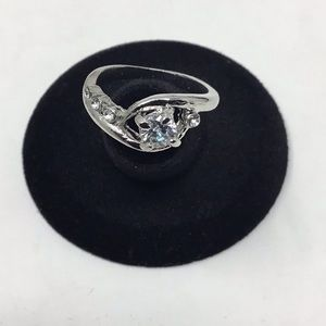 Cubic Zirconia Curved Fashion Ring